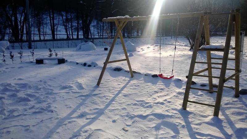 Sníh na hřišti