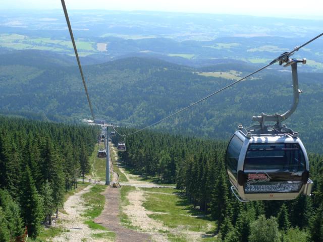 Kabinková lanovka na Černou horu